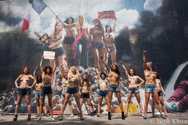 Les Femen le 14 juillet 2013